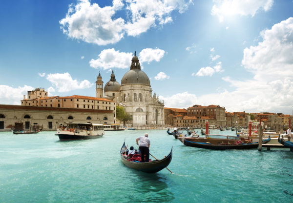 Venice Gondola Image for Important Prize Draw Tips to Create the Ultimate Competition Post | Element